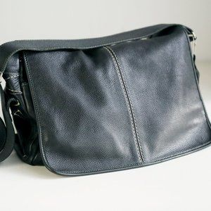 Roots Leather Black Leather Computer Travel Bag